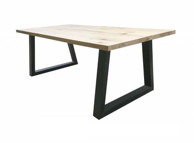Zwarte Stalen Trapezepoot tafel met eiken blad